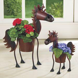 Blomkrukor med hästig design